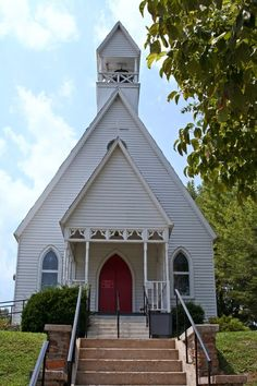 White church in Tennessee