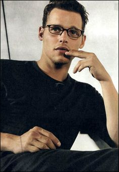 Justin Chambers as Nelson the new head of the Leesburg Blood house