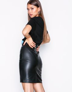 Skirts - Noisy May - women - online Pvc Skirt, Satin Skirt, Black Leather Skirts, Black Skirts, Elegantes Outfit, Sexy Skirt, Leggings, Leather Fashion, Leather Outfits