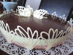 Kakkupaperi: Suklainen minttujuustokakku