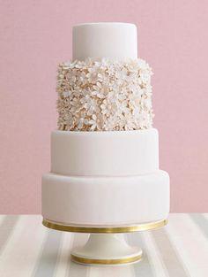 Pretty Daisy Covered Wedding Cakes