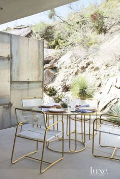 Modern Cold-Rolled Steel Outdoor Dining Area