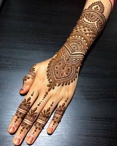 50 Most beautiful Udaipur Mehndi Design (Udaipur Henna Design) that you can apply on your Beautiful Hands and Body in daily life. Pakistani Mehndi Designs, Dulhan Mehndi Designs, Mehandi Designs, Mehndi Designs 2018, Unique Mehndi Designs, Beautiful Mehndi Design, Tattoo Designs, Geometric Designs, Tattoo Ideas
