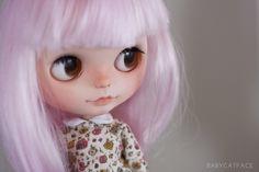 ¿QUÉ ES UNA MUÑECA BLYTHE? http://babycatface.blogspot.com.es/2014/01/que-es-una-muneca-blythe.html