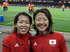 なでしこ対南アフリカ戦、試合後に大儀見優季 @yuki_ogimi17 と岩清水梓 @iwashi_azu1014 のツーショットをパシャリ。 #なでしこ #五輪