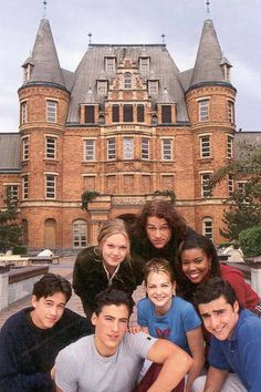 Julia Stiles, Heath Ledger, Joseph Gordon-Levitt, Andrew Keegan, Larisa Oleynik, Gabrielle Union, David Krumholtz