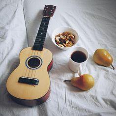 Давайте отдыхать)идеи постов, инстаграм, инстаграм идеи, фото для инстаграм, 2017, 2018, 2019, 2020, тренды весна-лето, идеи, вдохновение, ideas, instagram ideas, photo ideas, trends, spring, summer, гитара, укулеле, музыка, отдых, чай, guitar, ukulele, tea relax Acoustic Guitar, Ukulele, Musical Instruments, Musicals, Instagram, Life, Music, Barrel, Music Instruments