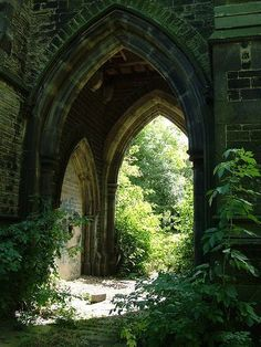 107 Awesome Gothic Architecture Inspirations That You Must Know - Fancytecture Abandoned Buildings, Abandoned Places, Foto Nature, Slytherin Aesthetic, Nature Aesthetic, Beautiful Places, Beautiful Pictures, Beautiful Ruins, Beautiful Moments