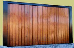Portão de Madeira EP-300 pode ser revistido com madeira ipê ou jatoba no desenho vertical, diagonal, espinha de peixe ou losango (assoalho, deck ou lambril).