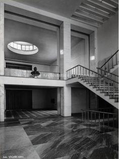 Casa del Balilla di Trastevere - Roma, Italy Bauhaus, Luigi, Rome, Art Deco, Contemporary Building, Filling Station, Vintage Interiors, Facade Architecture, Neoclassical