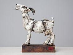 Ceramic Animals, Clay Animals, Animal Sculptures, Lion Sculpture, Goat Art, Goats, Arts And Crafts, Statue, Artist