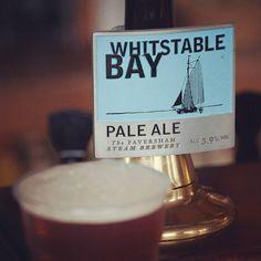 """Essa foi a pale ale que acompanhou aquele fish 'n' chips que postei mais cedo.  Em Whitstable rolou até uma autêntica IPA """"nice and flat"""" quente e sem carbonatação  #beertravel #beer #cerveja #inglaterra #englishbeer"""