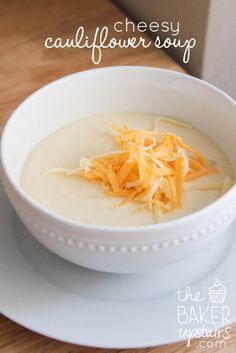 cheesy cauliflower soup // the baker upstairs http://www.thebakerupstairs.com