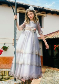 vestidos primera comunión para niñas 2017 Girls Dresses, Flower Girl Dresses, Communion Dresses, Prince And Princess, First Communion, Dressmaking, Special Occasion, Kids Fashion, Fancy