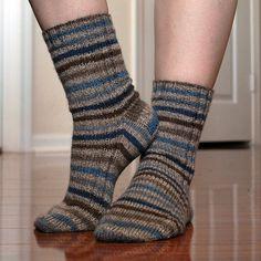 Ravelry: My Knitted Heart Vanilla Socks pattern by Elizabeth Suarez Knitted Socks Free Pattern, Crochet Socks, Knitted Slippers, Wool Socks, Knitting Socks, Knitting Patterns Free, Knit Patterns, Baby Knitting, Knit Crochet