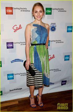 AnnaSophia Robb wearing Novis NYC blue and green dress Street Look, Street Style, Annasophia Robb, Green Dress, Red Carpet, Celebrity Style, Awards, Gorgeous Girl, Summer Dresses