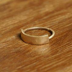 what a unique ring.