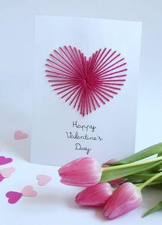 Der Wahnsinn. Dieses Jahr musste ich für meine DIY-Valentinstagskarte nicht mal kriminell werden. Ihr erinnert euch – letztes Jahr habe ich für meine Ombré-Herzchen-Karte den örtlichen Baumarkt leergeräumt und damit die Aufmerksamkeit der Sicherheitsfachleute auf… View Post