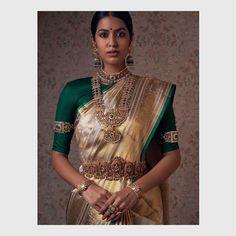 Gold Bridal Jewellery Sets, Bridal Jewellery Inspiration, Indian Wedding Jewelry, Lehenga Saree Design, Madisar Saree, Silk Sarees, Sari, Fancy Blouse Designs, Bridal Blouse Designs