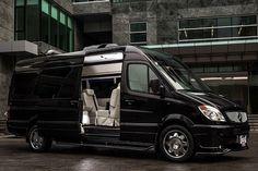Mercedes-Benz Sprinter 2500 Crew Luxury Van Exterior picture