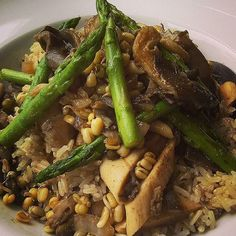 https://flic.kr/p/w2X7D9 | Vegan lunch - Brown rice with a fricassée of mushrooms, asparagus, red onions and taugi sprouts #vegan #veganeats #vegancook #veganfoodporn #veganfood #foodtube #foodblogger #foodporn #veganism #veganlifestyle #food #foodismedicine #homecooking #cooking # | via Instagram ift.tt/1IrkdlX