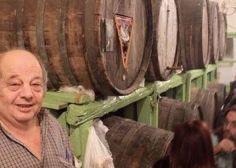 Πέθανε ο Γιώργος της «Θύρας 13»: Ο ιδιοκτήτης του μικρού οινομαγειρείου στους Αμπελόκηπους   HuffPost Greece Habitats, Food, Essen, Meals, Yemek, Eten