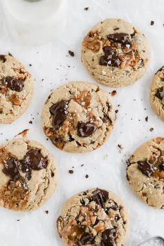 Toffee Chocolate Chunk Cookies   Browned Butter Blondie   A perfect match of salty and sweet, this Toffee Chocolate Chunk Cookie recipe is loaded with homemade crunchy, butter toffee and rich, dark chocolate. With a thick, soft center and slightly chewy edge. For best result, bake this cookie with toffee made from scratch. Easy Chocolate Chip Cookies, Chocolate Toffee, Yummy Cookies, Toffee Cookies, Chocolate Cheesecake, Salted Caramel Cookies, Bbq Dessert, Dessert Bars, Baking Recipes