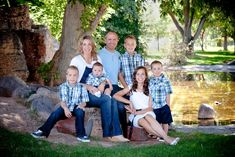 Cute Outside Family Photo Ideas | family photos, family pictures, family portraits, family photography