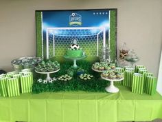 Kids Football Parties, Soccer Birthday Parties, Football Birthday, Soccer Party, Birthday Party Decorations, Party Themes, Soccer Baby Showers, Mickey Mouse Birthday Cake, Backdrops For Parties
