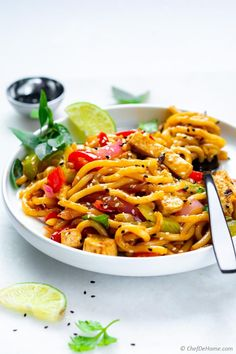 The best stir fry noodles with tofu oyster sauce and udon noodles. Perfect for takeout style dinner at home. Bring your favorite protein, add my simple bold flavor stir fry sauce with udon noodles for a yummy dinner in 20 minutes. Udon Stir Fry, Beef Noodle Stir Fry, Stir Fry Noodles, Udon Noodles, Vegetarian Chinese Recipes, Easy Chicken Dinner Recipes, Noodle Recipes, Ground Beef Recipes, Easy Healthy Recipes