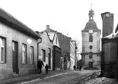 Z archivu Vladimír Serbus. Týnecká ulice - v r. 1971 zcela zmizela. Foto z ledna 1970.