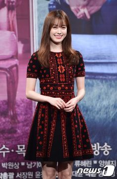 W Two Worlds press conference4