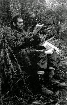 Pin on Wake Che Guevara T Shirt, Che Guevara Quotes, Che Guevara Images, Che Quevara, Victor Jara, Pop Art Bilder, Viva Cuba, Ernesto Che Guevara, Rare Historical Photos