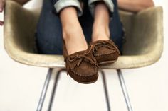 Love these moccasins. Size 7 in grey or dusty brown.