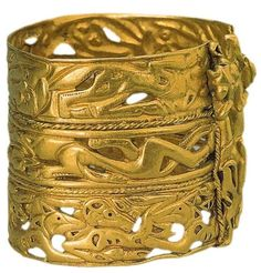 """Scythian gold bracelet. 5th-4th century BC.  """"Siberian Collection"""" of Peter I. The State Hermitage Museum, St. Petersburg"""