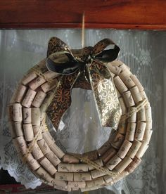how to make a wine cork wreath video