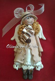 Oliwia Art Deko: Anioł z koszyczkiem i laleczki. Salt Dough, Angeles, Teddy Bear, Christmas Ornaments, Toys, Holiday Decor, Crafts, Animals, Clay