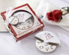 Want a 'pizza' his heart? These mini pizza cutter favors are sure to surprise your guests. Great as wedding favors, kitchen-themed bridal shower favors or cooking-themed engagement party favors. Dimensions: gift box x Wedding Favors And Gifts, Creative Wedding Favors, Party Favors, Pizza Wheel, Mini Pizza, Kate Aspen, Pizza Boxes, Bridal Shower Favors, Unique Weddings