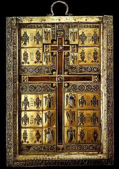 Η κασετίνα της Σταυροθήκης του Limburg με τεμάχιο του Τιμίου Ξύλου και άλλα τεμάχια αγίων λειψάνων.