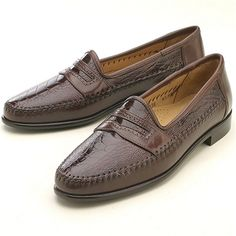 MILANO by ZELLI SHOES! From Tuscany Italy, slip into this classic loafer finely handcrafted in genuine premium ostrich leg & a soft nappa. Footwear that provides the style of a penny with sleek and distinct differences. Super-Flex Sole.