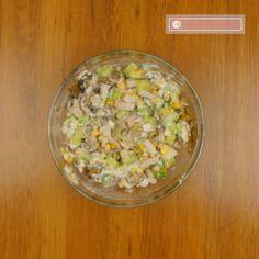 """O gustare ușoară, care va oferi culoare oricărei mese – salată gustoasă """"Gingășie"""" - savuros.info Fried Rice, Fries, Ethnic Recipes, Food, Essen, Meals, Nasi Goreng, Yemek, Stir Fry Rice"""