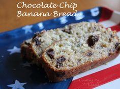 use vegan substitutes :) Moist Banana Bread, Chocolate Chip Banana Bread, Banana Bread Recipes, Delicious Desserts, Yummy Food, Holiday Baking, Sweet Bread, Baking Recipes, Breads