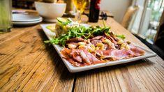 """Besuch im """"Toma Tu Tiempo"""" - Tapas für den Bobo Tapas, Den, Steak, Restaurant, Food, Good Things, Diner Restaurant, Essen, Steaks"""