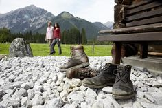 """""""Aufm Berg gibt's koa Sünd""""  Also rein in die Wanderschuhe und die netten Hütten am #Achensee erkunden.  http://www.karwendel-achensee.com/de/pertisau-achensee-erleben/aktivurlaub-im-sommer/"""