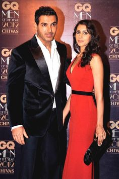 #JohnAbraham has apparently tied the knot with his girlfreind #PriyaRunchal in a private ceremony
