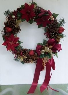 Christmas Cinnamon Pine Cone Wreath instructions. So pretty!