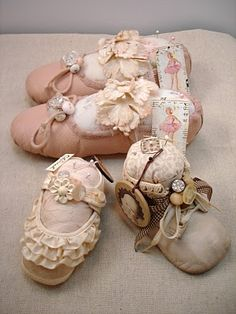 Vintiquities Workshop: Altered Vintage Baby Shoes Hmmm...  a giveaway info