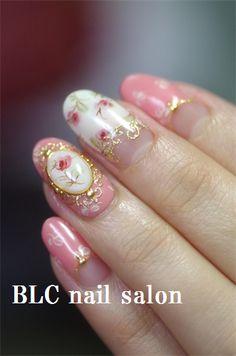 アンティークローズのブローチnail の画像 新潟市中央区万代ネイルサロン~BLC nail salon
