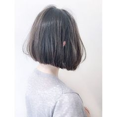 ・ ★お客様STYLE★ ・ パツンと前下がりラインのBOBに ・ グレイッシュな外国人の地毛みたいなダークアッシュカラーを。。☆ ・ ・ シンプル☆ベーシック★トレンド感のあるスタイルを提案します^_^ ・ ・ Cut&Color / ¥13,900〜 #SHIMA #shima_horikake #hairstyle #髪型 #hair #bob #ボブ #haircolor