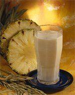 """""""Chicha de arroz con piña""""  (rice and pineapple shake).   Ingredientes: 1/2 taza de arroz  2 tazas de leche crema 2 rajas de canela 1 cucharadita de vainilla 8 tazas de agua azúcar al gusto  cáscara de una piña     Procedimiento: Se pone a hervir el arroz, la cáscara de la piña y la canela en las ocho tazas de agua. Cuando el arroz esté suave, se licúa todo y luego se cuela. Se le agrega la leche, la vainilla, y la azúcar al gusto."""